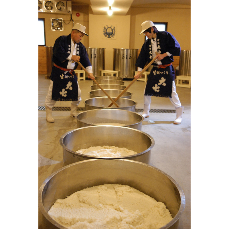 超扁平精米技術による生酛純米大吟醸酒「箕輪門」