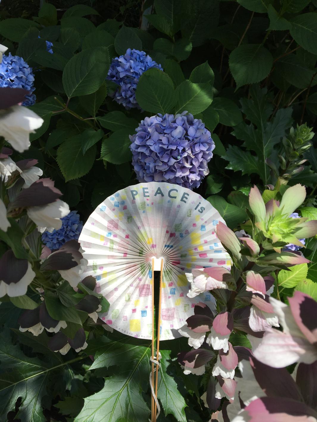 【自由テーマ】折り鶴リサイクル丸扇子 FANO